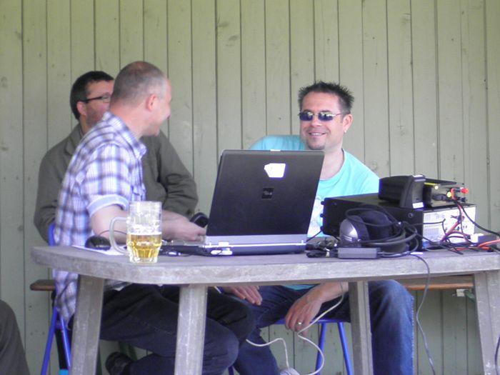 Mike, DF7MR rechts im Bild