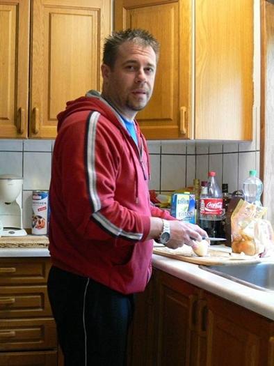 Mike hat Küchendienst